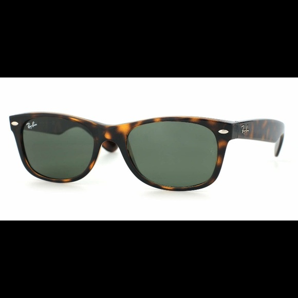 d3c8ad9378 Ray-Ban Accessories - Ray Ban New Wayfarer Tortoiseshell Sunglasses EUC